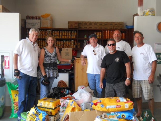 Motorcycle Club collecting donations for Animal Friends of the Valleys