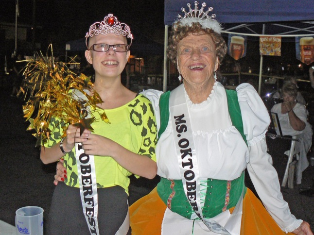 Oktoberfest draws festive crowd to the Towne Center