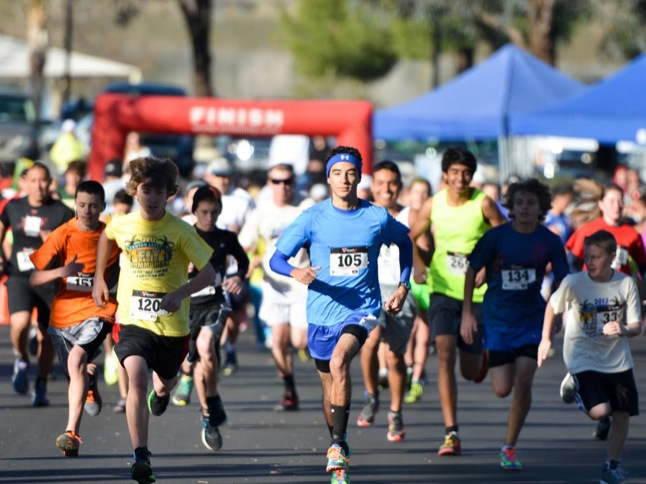 Hundreds run/walk in 'Fit Community' races