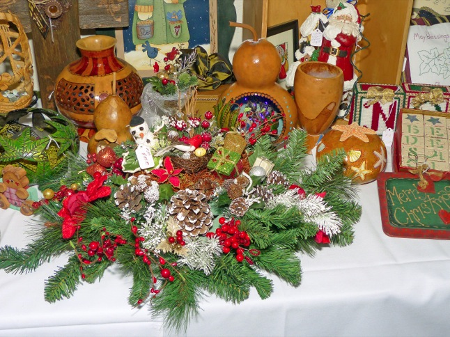 Senior Holiday Boutique gets season started