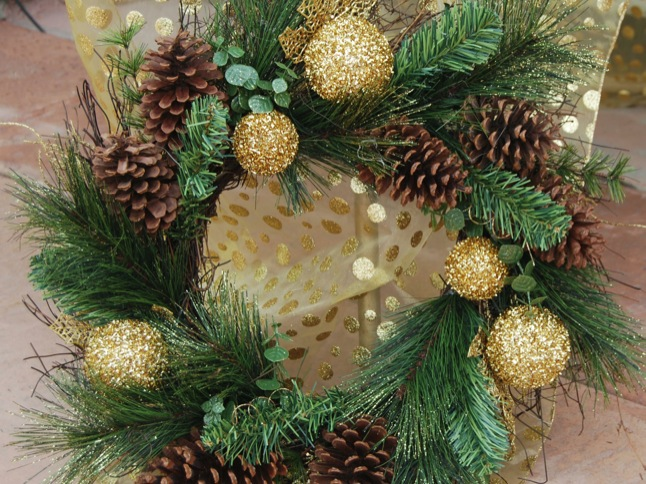 Win decorated trees, wreaths during home tour event