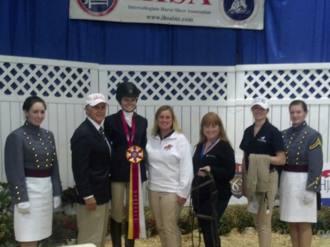Canyon Lake coeds compete in equestrian championships