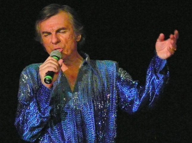 Tickets now on sale for Neil Diamond Tribute Show