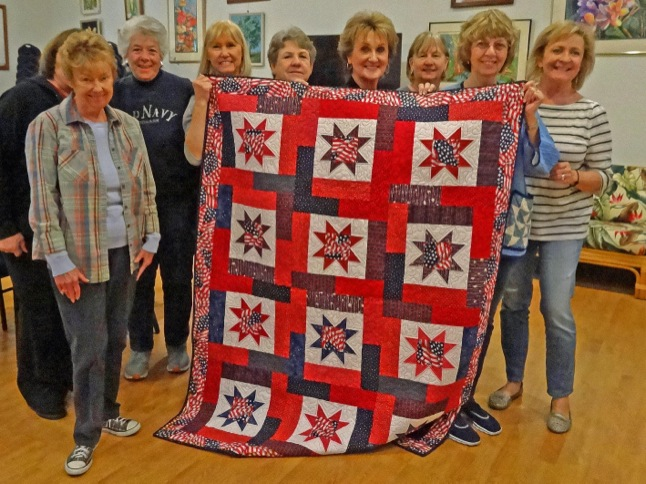 Sewing group donates Quilt of Valor to Army vet